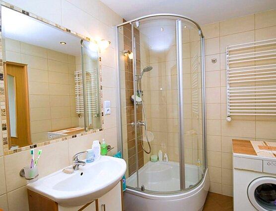 Дизайны ванных комнат с душевыми кабинами